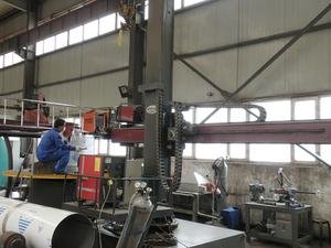 自动焊缝机